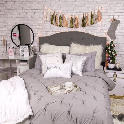 How to Make Your Dorm Room Special and Feel like Home ...
