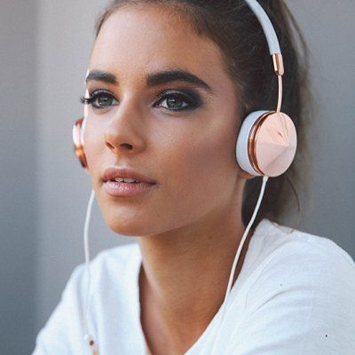 7 Songs 🎶 to Listen to 👂🏼 when You're Missing 😢 Someone ...