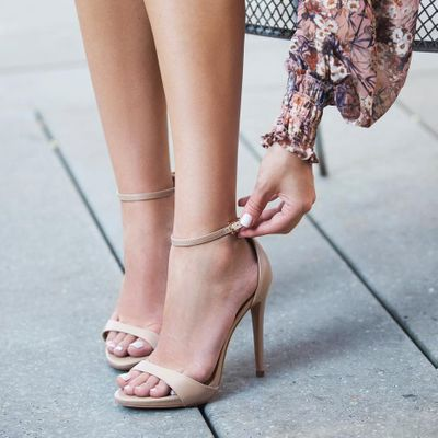 Secrets to Wearing High Heels 👠 Every Day without Killing Your Feet👣 ...