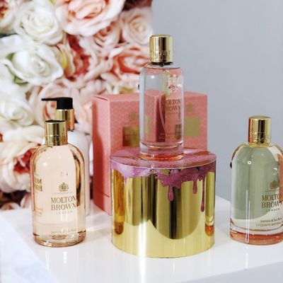 9 Signs  You Love  Perfume  ...
