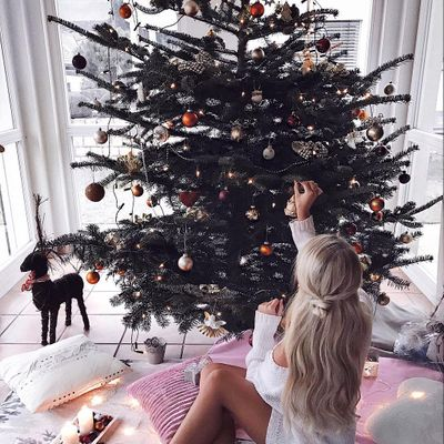 Kate Moss Spices up Christmas