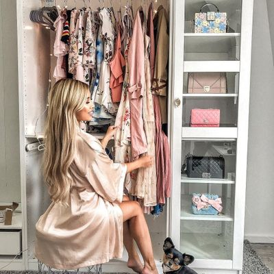 How to Create 🎨 a Wardrobe 👚👗 That Makes You Feel Amazing 🙌 ...