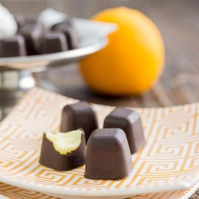 Video 🎞 Guide 📘 on How to Create 🥄 Chocolates 🍫 in Your Ice Cube ❄️ Trays ...