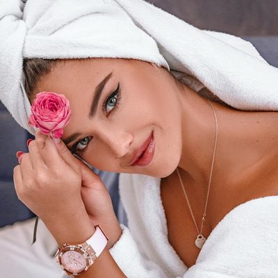 Natural Skincare for the Treatment of Teen Acne ...