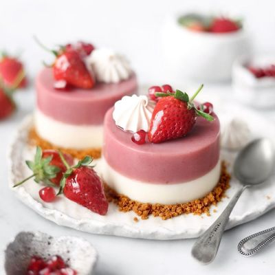 7 Deliciously Sweet Strawberry Desserts That Taste so Good ...