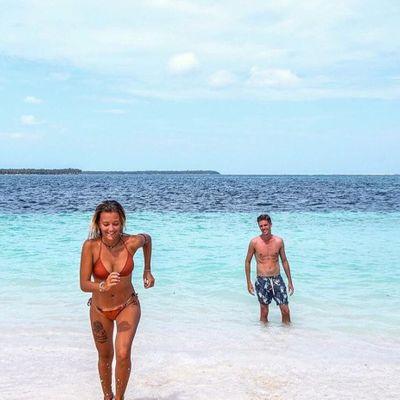 8 Hottest Celebrity Women Beach Bodies ...