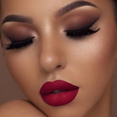 Video Guide on the Perfect Smoky Eye for Valentine's Day ...