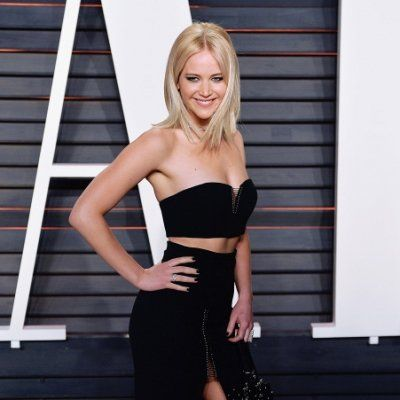 How to Pose like You're a Celeb on the Red Carpet ...