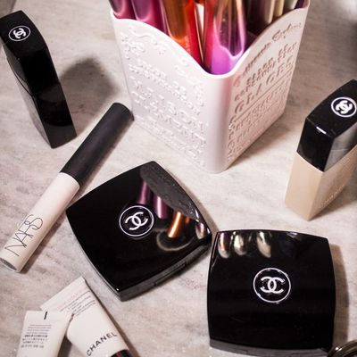 Cosmetic Considerations: How Does Starting Your Own Makeup Business Work?