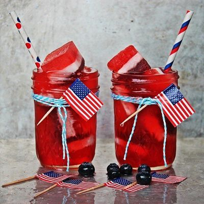 15😋 Red, White and Blue Cocktails 🍹 for the 4th of July🙃 ...