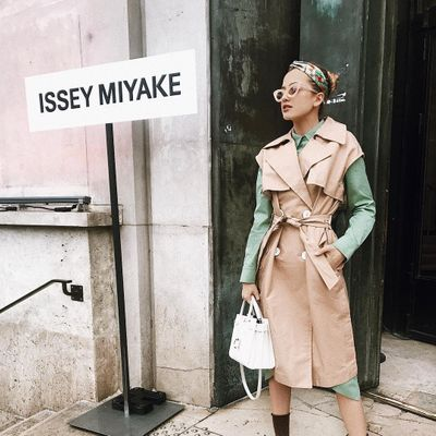 9 Street Style Ways to Wear a Trench Coat ...