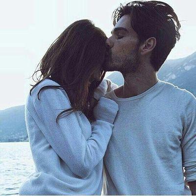 8 Non-Verbal Ways Men Use to Express Their Love ...