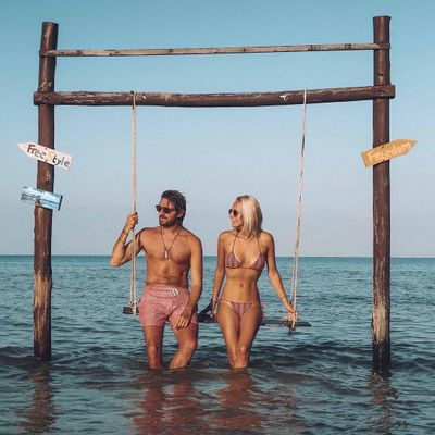 Girl's Guide 📕 on How to Keep Your Relationship 💑 Strong 💪 with Your Partner's Love 💕 Language 🔠 ...