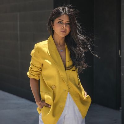 7 Ways to Wear Yellow ...