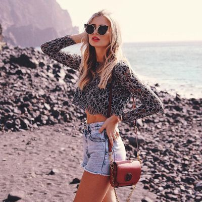 Every Girl 💯 Can Rock 🤘🏼 High-Waisted Shorts with These Foolproof 👍🏼 Tips and Tricks 👌🏼 ...