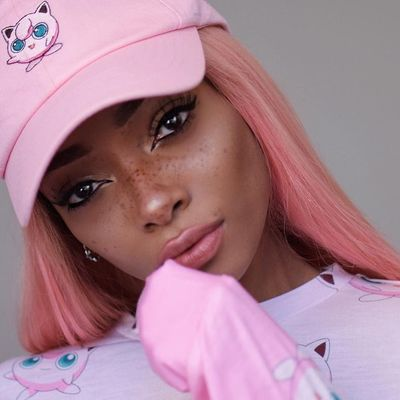 9 Hairstyles That Look Cute under a Baseball Cap ...