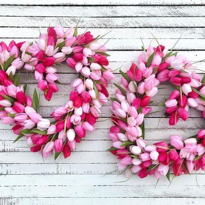 23 Lovely DIY Valentine's Day Wreaths ...