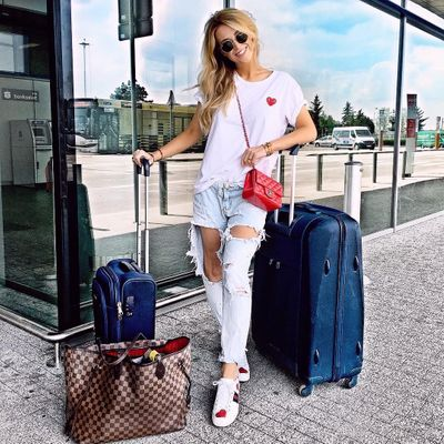 The Best  Lightweight  Luggage for Girls  Who Travel  ...