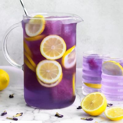 7 Easy and Healthy Ways to Make a Detox Drink ...