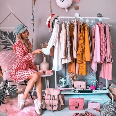 Girl's 👩 Guide 📘 on How to Turn 🔄 Your Closet 🚪 into One of Your Best 👍 Sources of Income 💰 ...