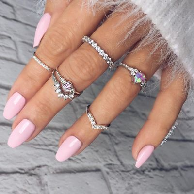 10 Essential 👍🏼 Tips to Have Gorgeous 😍 Nails 💅🏼 for Girls Upping ⏫ Their Game ...