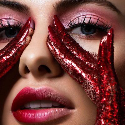 7 Makeup Tricks to Make Your Nose Look Smaller ...