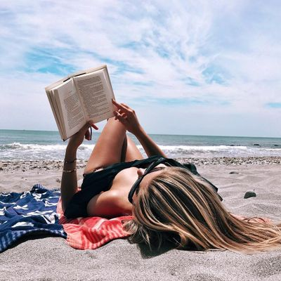 17 Books 📚 All Girls 👧🏻👧🏽 Should Read 🤓 before Adulthood ⏳ ...