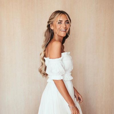4 Bridal Hairstyles That Work for Everyone ...