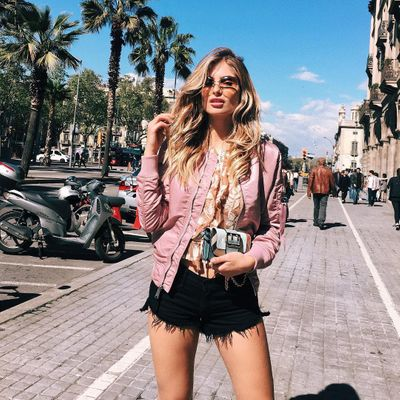 Awesome 🙌🏼 Apps Travel Junkies ✈️ Need on Their Phones 📱 ...