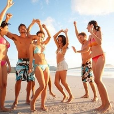 7 Tips for Travelling in a Group ...
