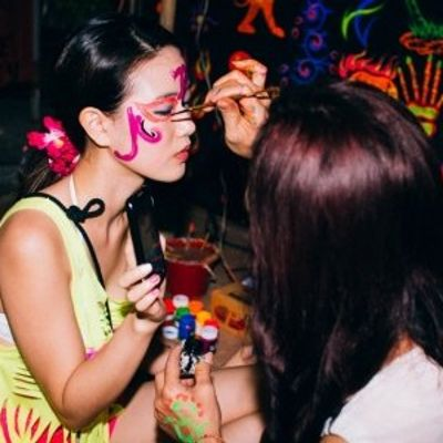 7 Tips for Surviving Full Moon Parties ...