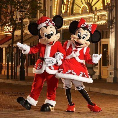 7 Reasons to Visit Hong Kong Disneyland at Christmas ...