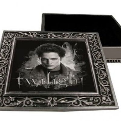 5 Awesome Gifts for a Twilight Fan ...