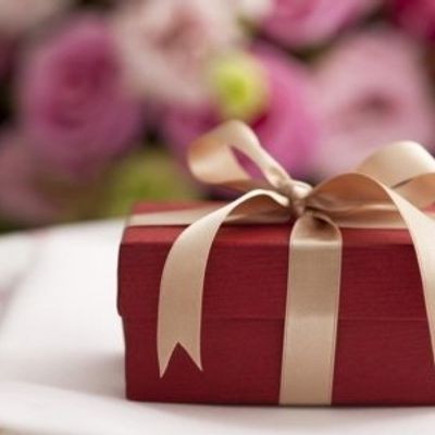 7 Rules of Gift Etiquette You Should Be following as a Bride ...