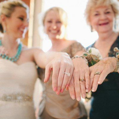 Sweet Ways to Honor Your Mom at Your Wedding She'll Love ...