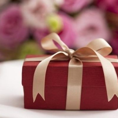 7 Times when You Should Consider Returning Your Wedding Gifts ...