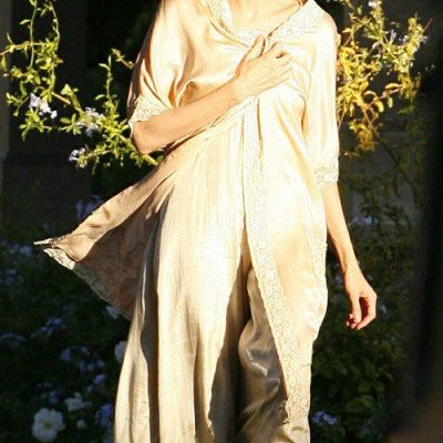 New Angelina Jolie Candids from the Set of the Changeling